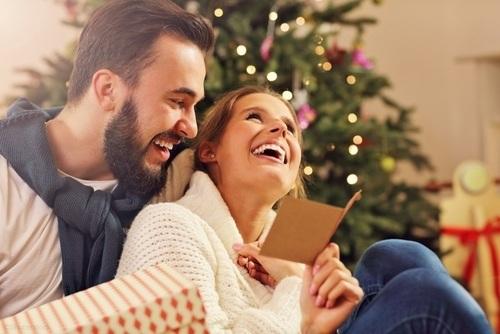 gift smile couple